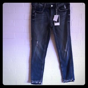 Zara Mid Rise skinny blue jeans